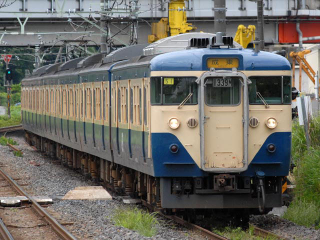 http://bosoview.sakura.ne.jp/jr/113/makuhari/20060610_113_m51_3b.jpg