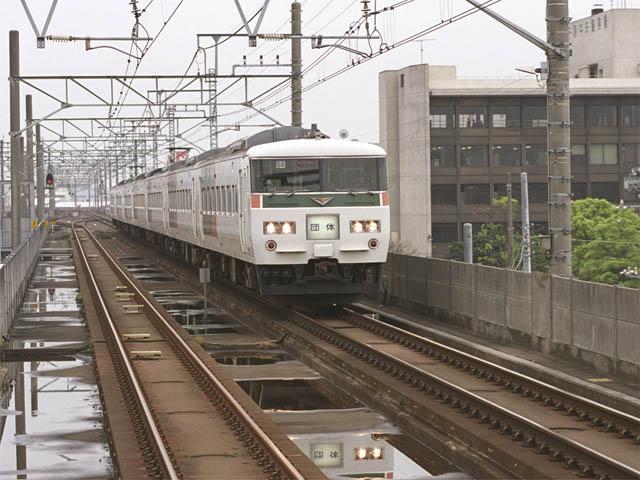 http://bosoview.sakura.ne.jp/jr/keiyo/185/185_exb.jpg