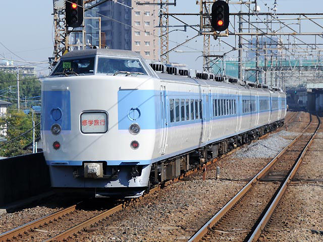 http://bosoview.sakura.ne.jp/jr/musashino/189/20101105_183_m32_11b.jpg