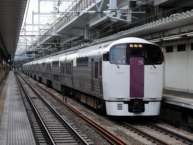 http://bosoview.sakura.ne.jp/jr/toukaidou/215/20090911_215_nl2_2b.jpg