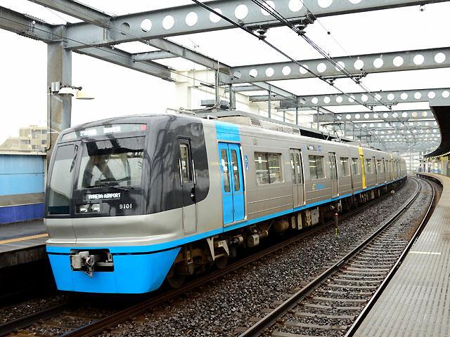http://bosoview.sakura.ne.jp/railroad/hokuso/9100/20141129_27n_9101_w1b.jpg